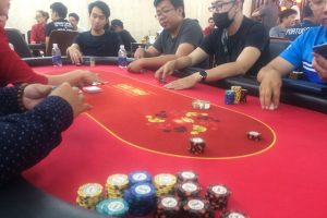 Poker in Vietnam: my table in the early stages of the tournament