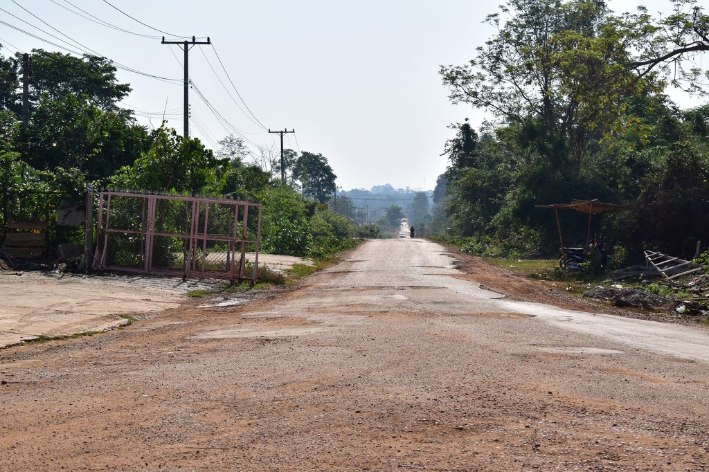 Road to Bungva Lake Savannakhet