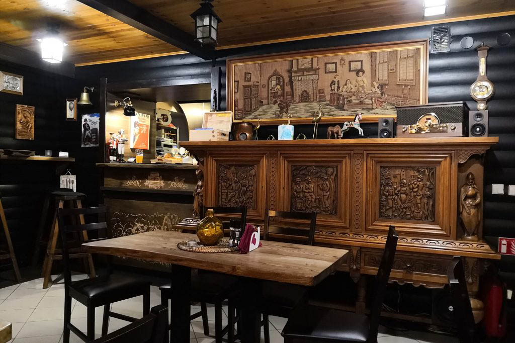 Baras Baziliskas is a rustic local bar between Vilnius Old Town and the main bus station