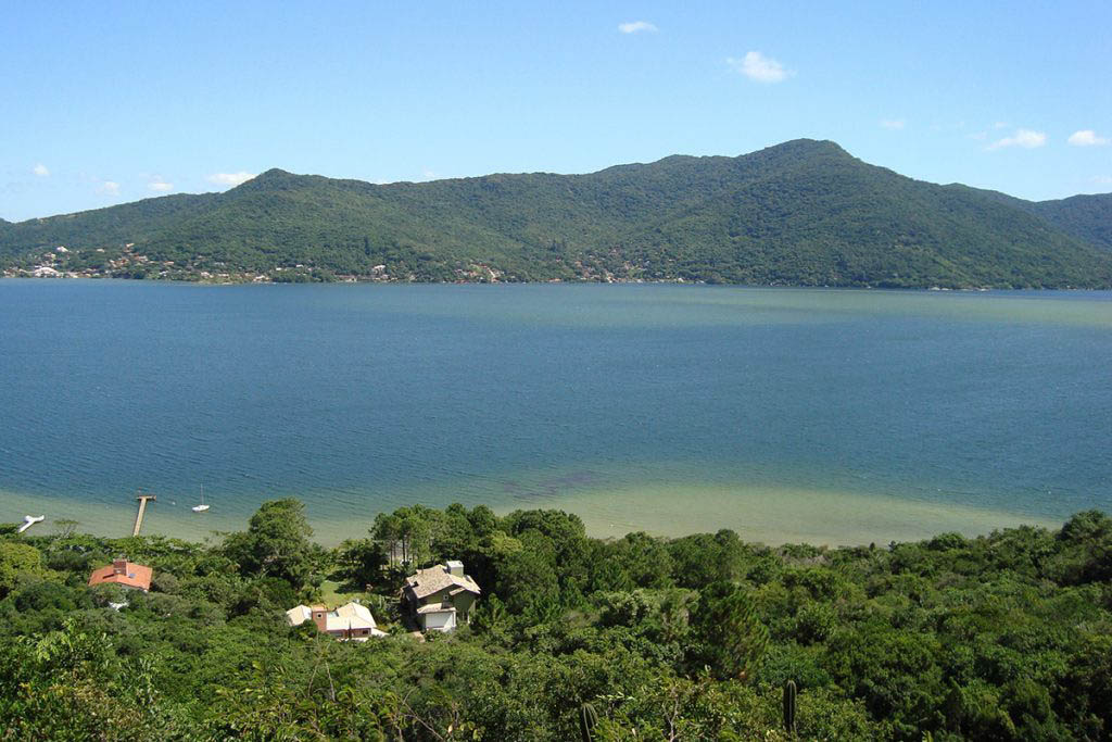 We stayed by Lagoa da Conceição, a great central location for exploring Santa Catarina Island