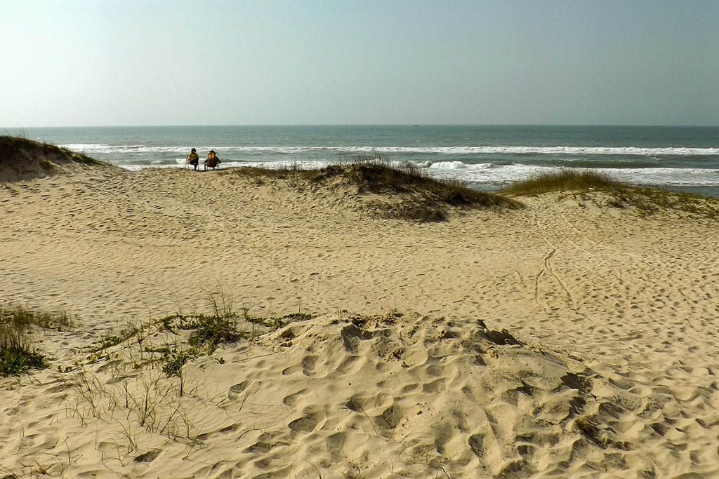Praia do Campeche has several kilometres of sparsely populated sand