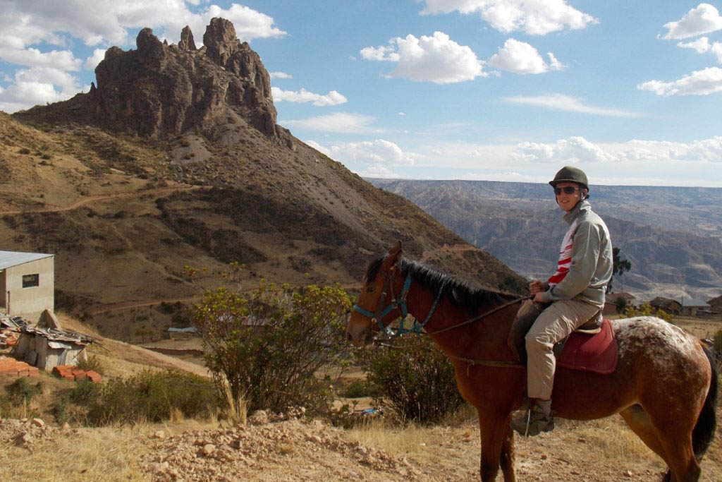 Horse-riding to Devil's Tooth Bolivia