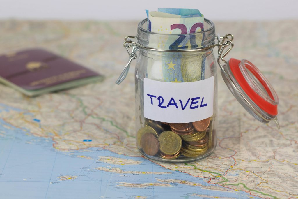 How to manage money when travelling