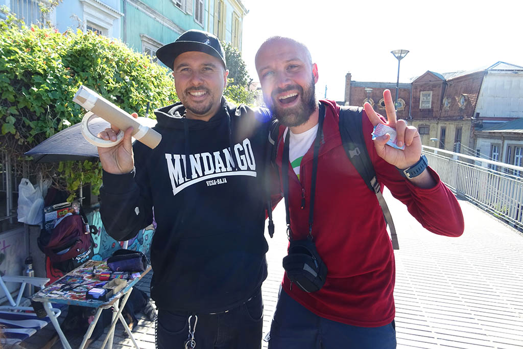 Meeting local legend and street artist Cuellimangui on Paseo Atkinson