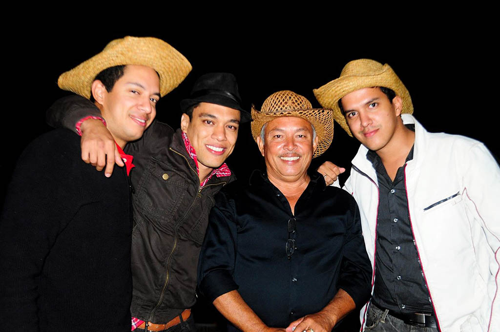 Eddie Zaldivar with father and brothers