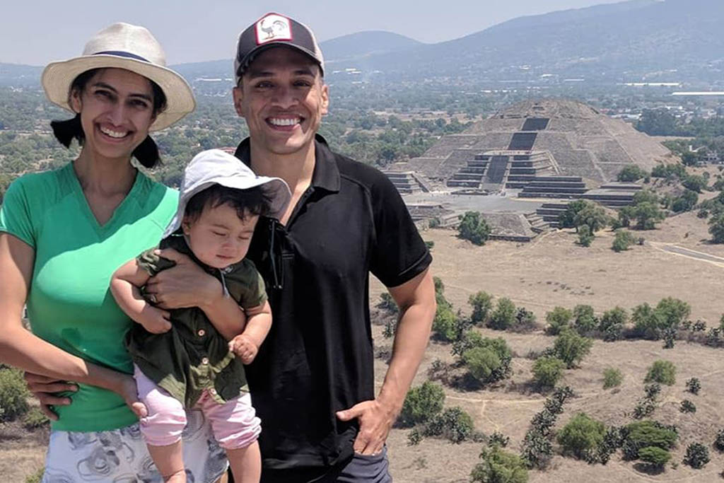 Eddie with his wife and daughter in Mexico City