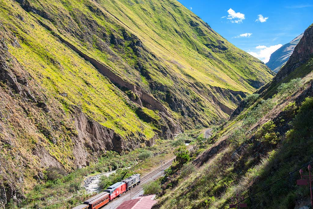 Things to do in South America: Devils Nose Train Ecuador