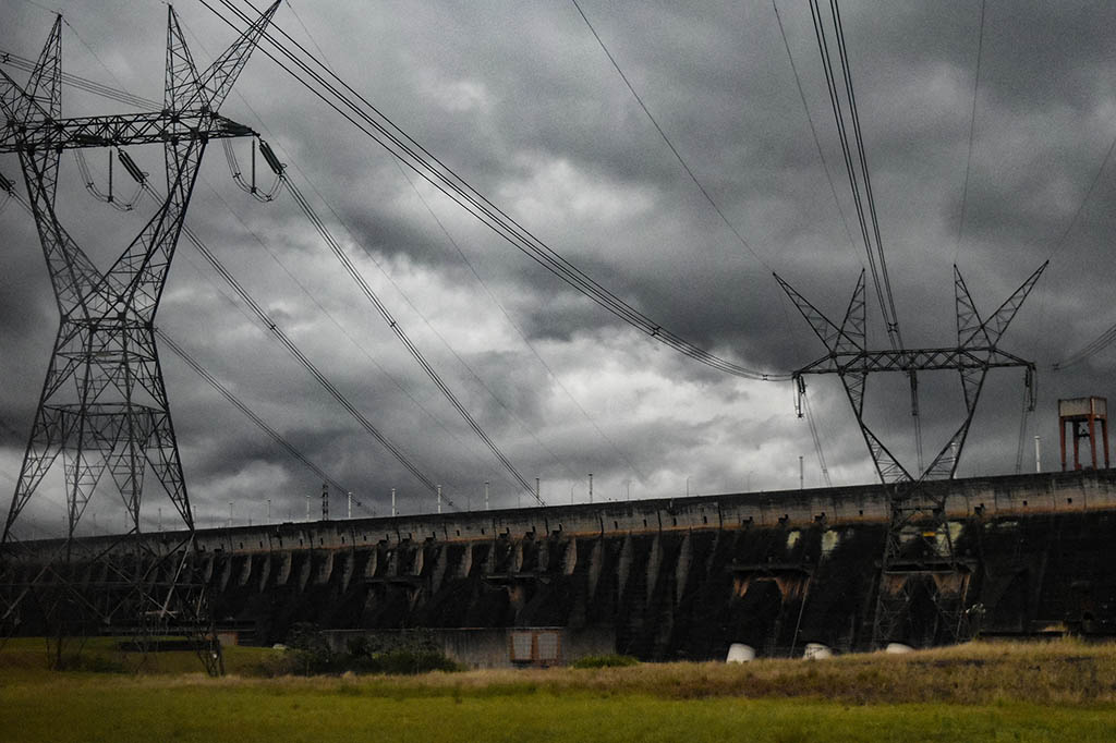 Things to do in South America: visit the Itaipu hydropower plant