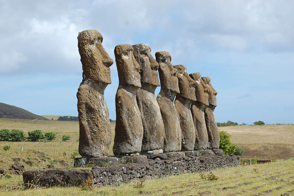 South America bucket list: Moai Easter Island Chile