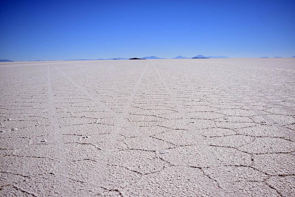 Salar de Uyuni tracks Bolivia