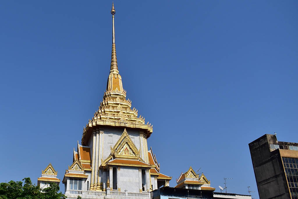 Armchair travel via Google Earth: Wat Traimit Bangkok