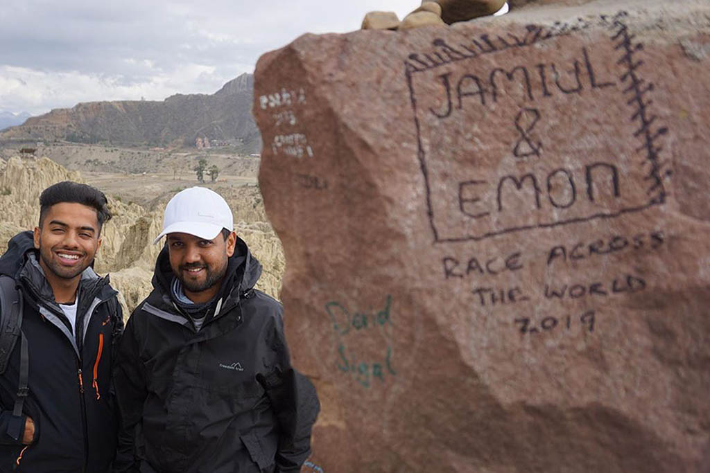 Emon and Jamiul had a special moment of reconnection in Valle de la Luna near La Paz, Bolivia