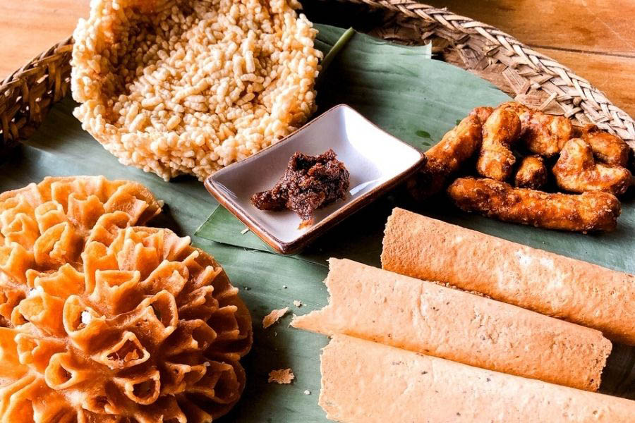 A plate of sweet rice treats