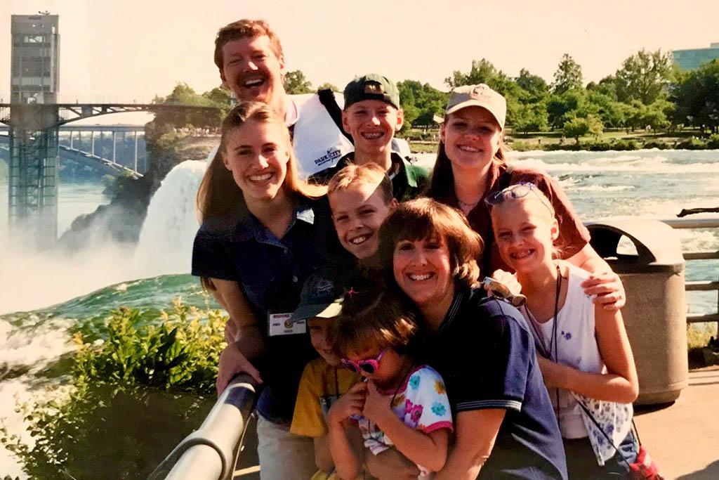 Tim Brown family at Niagara Falls
