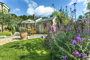 Luxury Cornwall cottages Amid The Orchards