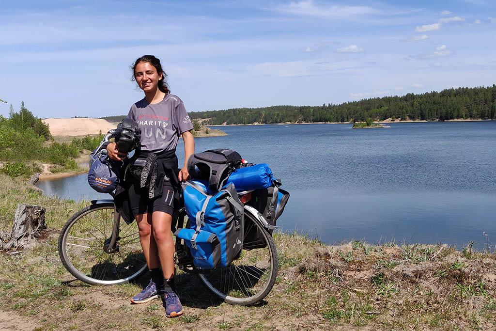 Nellie Khossousi cycling lake